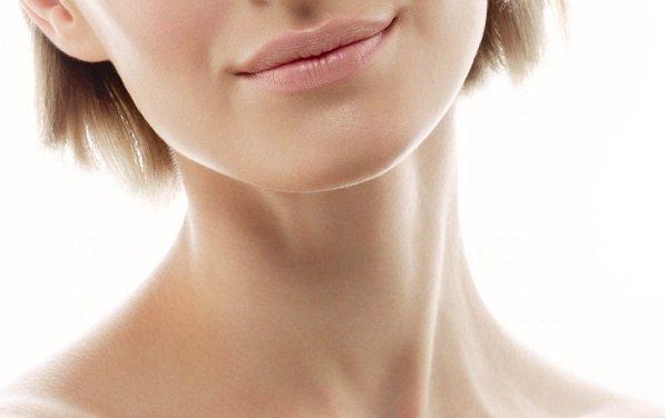 Как ухаживать за кожей шеи и декольте