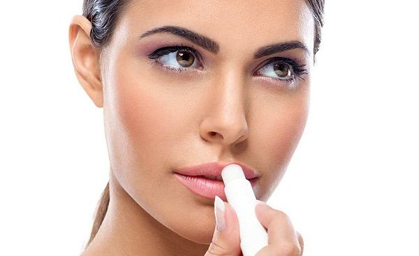 Как правильно ухаживать за губами 1