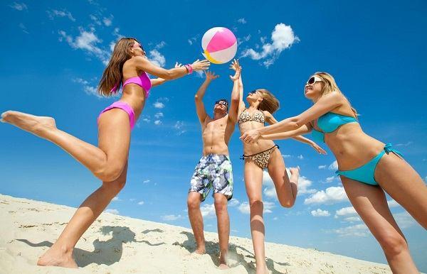 Как познакомиться парнем на пляже 1