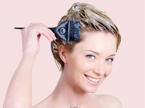 Как правильно покрасить волосы дома