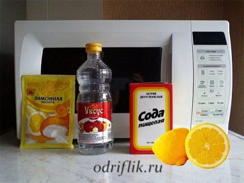 Как быстро очистить микроволновку от жира внутри